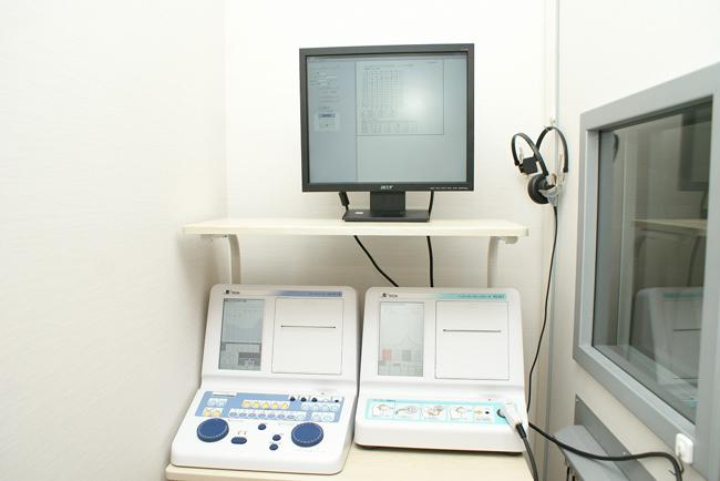 聴力と鼓膜検査機器